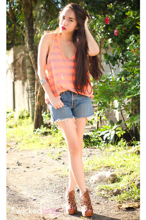 light orange Forever 21 top - brown boots - teal Levis shorts