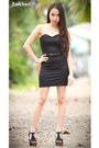 Black-lbd-dress-crimson-braided-belt-black-chunky-heels