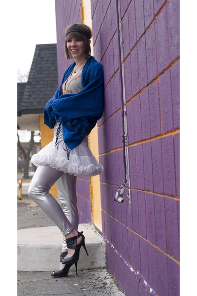 Micheal Antonio shoes - American Apparel leggings - Pashima scarf - H&M shirt -
