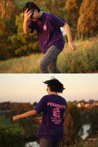 purple vintage t-shirt - gray K Mart leggings - black emporio armani sunglasses