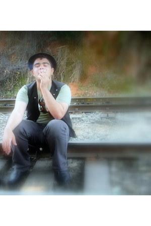 no name shoes - no name hat - Will J Santos vest - vintage pants - Gap t-shirt