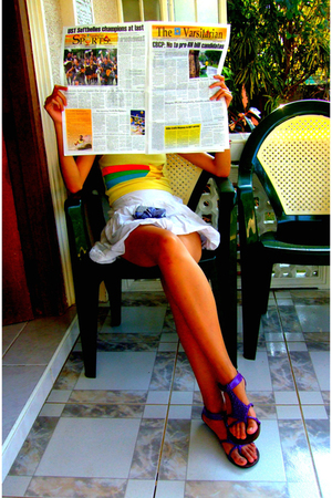 gold top - white skirt - purple shoes