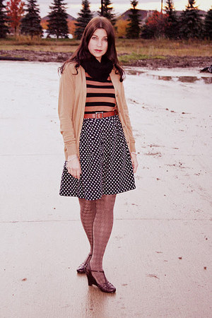 polka dot Forever 21 skirt - camel ribbed Forever 21 tights