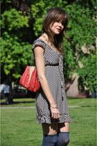 navy Maggieme dress - red Zara bag