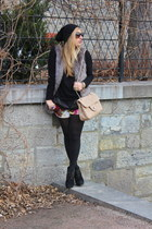heather gray Vero Moda vest - black H&M sweater - light pink Browns purse