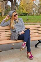 hot pink Aldo heels - navy Zara jeans - heather gray H&M sweater