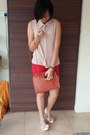 Burnt-orange-bag-red-shorts-nude-top-peach-flats-ruby-red-watch