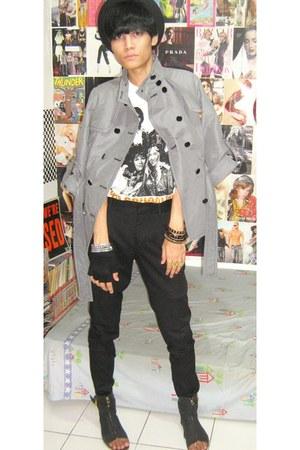 heather gray Mango coat - white t-shirt - black Zara pants - black Zara shoes -
