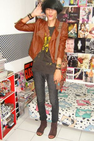 brown jacket - gray t-shirt - gray Zara jeans - brown Aldo boots - red Zara acce