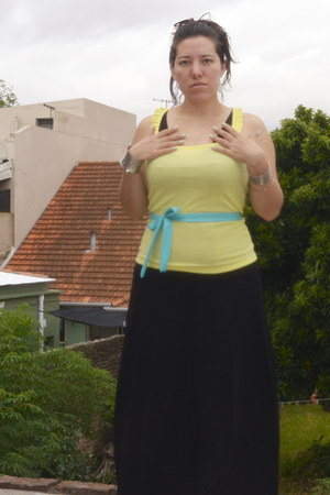 old black dress - yellow cotton Ver t-shirt - mint belt