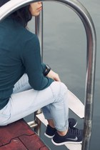 Lee jeans - nike sneakers - Uniqlo top