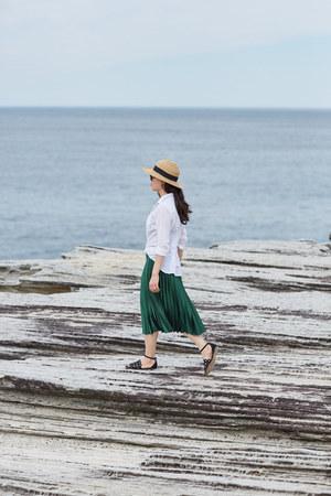 Forever 21 hat - linen Witchery shirt - pleated Topshop skirt - Zara sandals