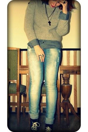 silver Sfera sweater - black Puma sneakers