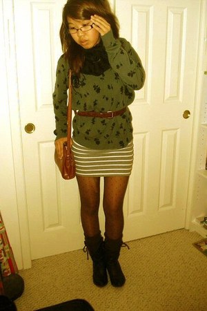 gray top - heather gray Forever 21 skirt - black Ross boots - dark brown Mervyns