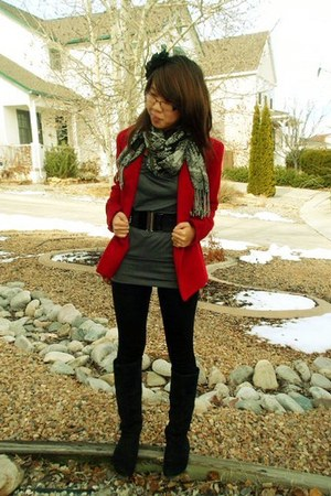 red St Johns Bay coat - gray top - black Ross boots - black Forever 21 accessori