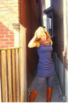 blue vintage dress - gray HUE tights - red handmade accessories - gold Nick & Mo