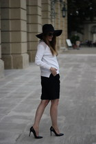 black Zara shorts - white Zara jumper - black Zara pumps