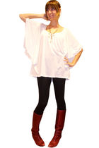 white H&M blouse - black H&M leggings - red vintage boots - gold Black Willow ne