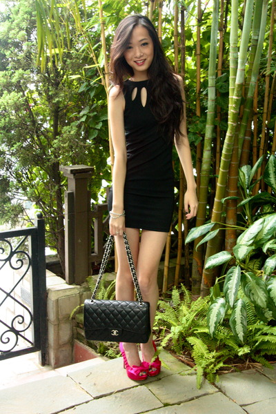 2256b31f4048 hot pink Nine West pumps - black Miss Selfridge dress - black Chanel bag