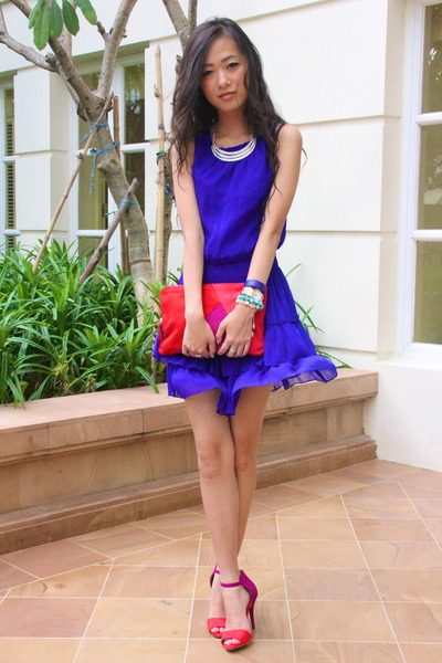 blue Zara dress - red Zara purse - magenta Zara heels