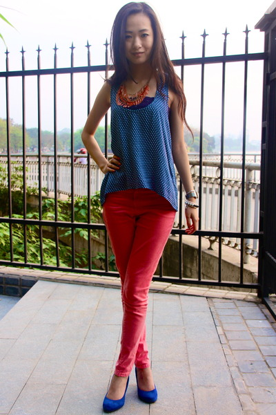 Sky Blue Kitschen Tops, Red Top Shop Jeans, Blue Boutique Wedges ...