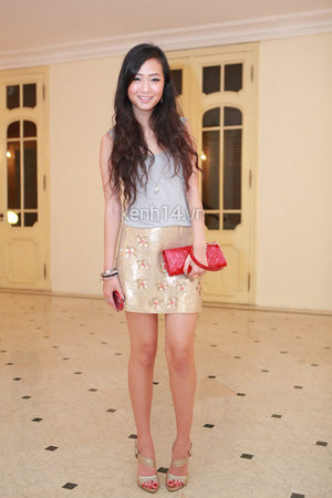 gold warehouse skirt - red Louis Vuitton purse - gold Guess heels
