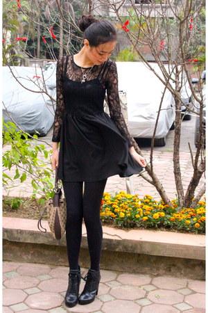 black boutique dress - black Nine West boots - navy boutique coat