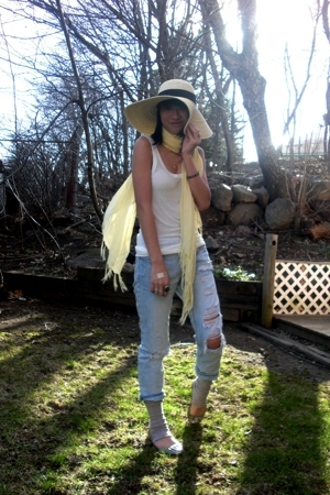 Philipo Faretti hat - forever 21 top - Icing scarf - ae jeans - Urban Outfitters