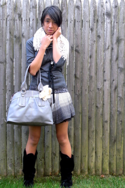 Steve Madden shoes - forever 21 skirt - forever 21 sweater - Emilie purse - Urba