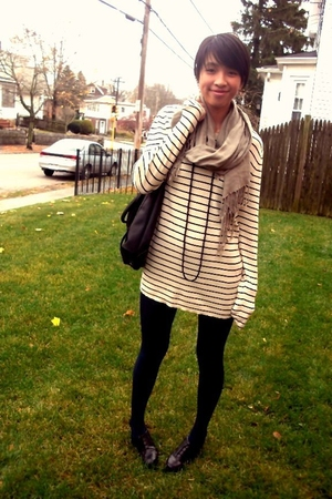 Walmart tights - Gap sweater - Aldo Accessories purse - H&M scarf