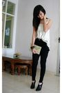 Beige-top-black-chrysalis-boots-beige