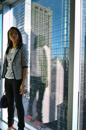 dark gray skinny jeans Zara jeans - heather gray jersey Tristan blazer - deep pu