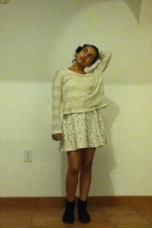 H&M dress - boots - Forever21 sweater