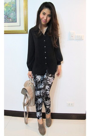 black rose printed H&M leggings - camel satchel asos bag - black chiffon vintage