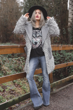 heather gray shaggy asos jacket - black felt boater asos hat