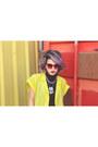Maroon-poppy-lissiman-sunglasses-black-turtleneck-crop-lovers-friends-top