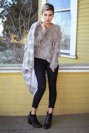 heather gray tassel sweater OASAP sweater - black ankle boots Linzi shoes boots