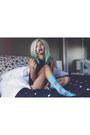 Turquoise-blue-meundies-socks-white-meundies-intimate