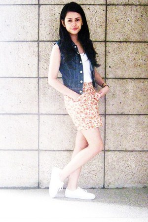 orange floral skirt - navy denim vintage vest - white bench top - white sneakers