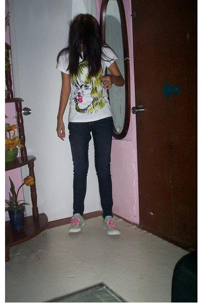 white t-shirt - dark gray pants - aquamarine Converse shoes