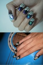 dark green art nails accessories