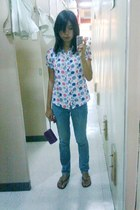 white blouse - blue jeans - black Havaianas - deep purple purse