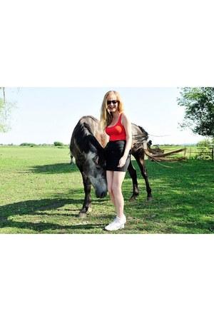 black Serengheti sunglasses - red H&M top - black high waisted supre skirt - whi