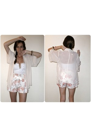 cream sheer Valleygirl cape - cream floral print Forever New shorts