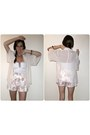 Cream-floral-print-forever-new-shorts-white-feather-h-m-earrings