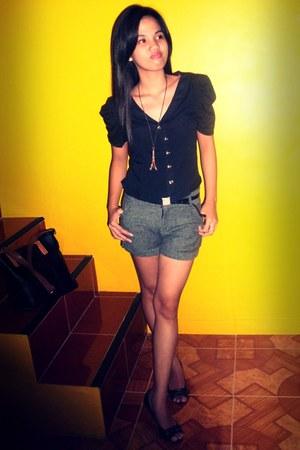 blouse - shorts - necklace - heels