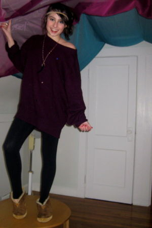 red Gap sweater - black Forever 21 leggings - brown LL Bean shoes - gold Forever