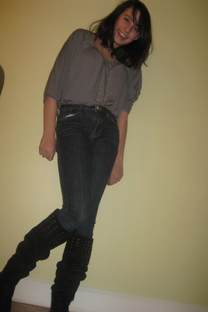 gray xhiliration shirt - blue Shio jeans - black United Bamboo boots - gold H&M