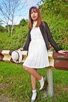 cream lace dress Dolce & Gabbana dress - off white floppy hat cotton on hat