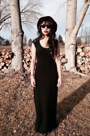 full tilt dress - felt crimson hat - retrovintage glasses